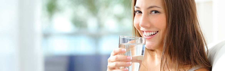 TÜV AUSTRIA Wasserhygiene, Wasserprobe, Trinkwasser, Legionellen Prophylaxe, Fotolia, Antonio Guillem