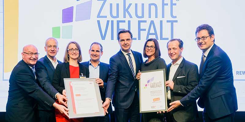 Als erstes Handelsunternehmen Österreichs erhält BILLA das Zertifikat ZukunftVIELFALT