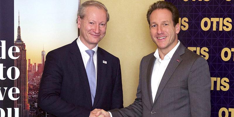Stefan Haas, CEO TÜV AUSTRIA Group & Roman Teichert, Geschäftsführer Otis Österreich