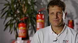 Ing. Martin Swoboda, am 15.03.1968 in Korneuburg geboren, ist seit Oktober 1999 als Brandschutzexperte bei TÜV AUSTRIA tätig. Zusätzlich agiert er als Sicherheitsfachkraft und ist im Gefahrgut- und Abfallwirtschaftsmanagement aktiv.