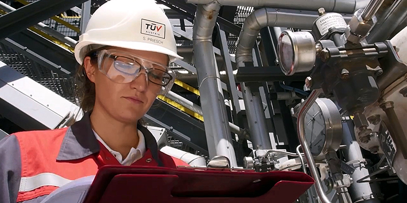TÜV AUSTRIA Anlagensicherheit: Verfügbare und sichere Produktionsanlagen | Industrial Plant Safety: Available and Safe Production Systems
