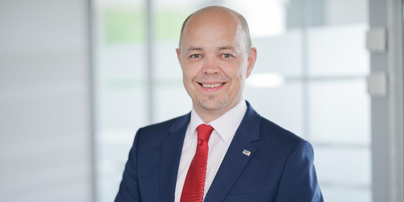 """GF Thomas Eder: """"TÜV AUSTRIA Schreiner Consulting ist nun 100+1% TÜV AUSTRIA"""" (C) TÜV AUSTRIA, Daniel Hinterramskogler"""