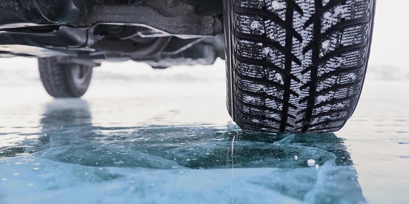 Winterreifen: TÜV AUSTRIA Expertentipps 2020 (C) Shutterstock, Albina Tiplyashina
