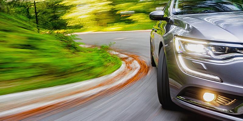 Sichere Kraftfahrzeuge und -Bauteile auch in Corona-Zeiten mit TÜV AUSTRIA Automotive - tuvaustria.com/automotive (C) Shutterstock supergenijalac