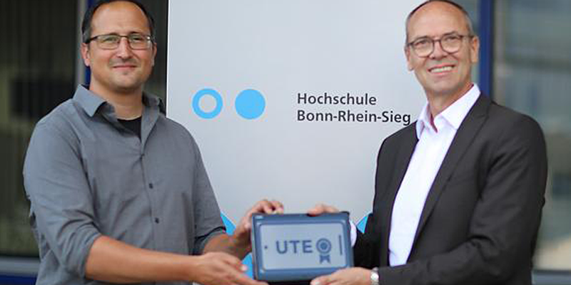 TÜV TRUST IT and Bonn-Rhein-Sieg University research User Trust Experience (UTE) in relation to Huawei smart phone products