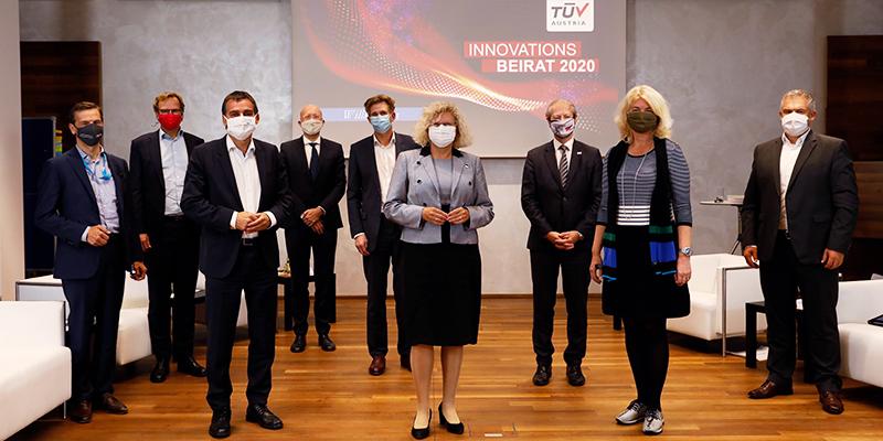 Wirtschaftliches Überleben im Jahr 2021 mit #Disruption: TÜV AUSTRIA Innovationsbeirat präsentiert Band 4 der Reihe TÜV AUSTRIA: Leading Innovation. (C) TÜV AUSTRIA, Andreas Amsüss