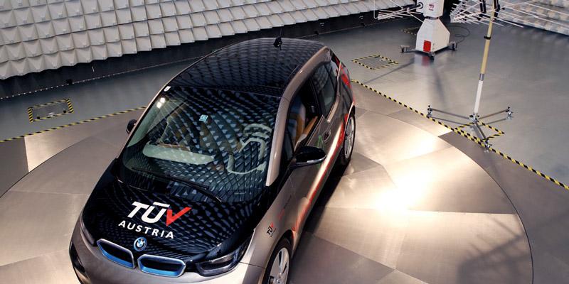 EMV-Test in der neuen TÜV AUSTRIA EMV-Prüfhalle in Wien, (C) TÜV AUSTRIA, Andreas Amsüss